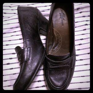 Born black casual heel